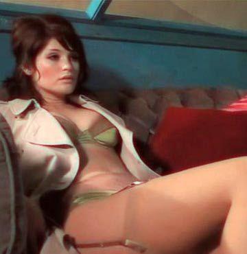 Seksi Bond kızı kapak oldu GALERİ