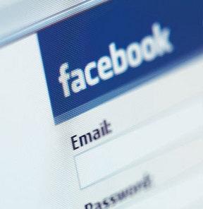 Facebook'ta 'hırsız şifre' paniği