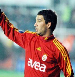 Galatasaray futbolcu satıp borç kapatacak!