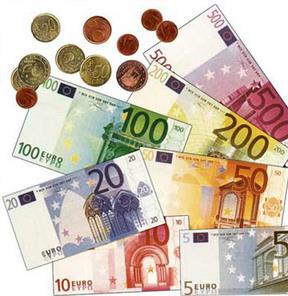 Yunanistan euroyu yere serdi