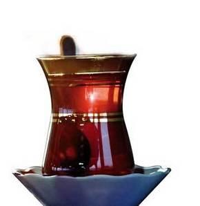 Her gün 2 bardak çay, kalp kriziyle ölüm riskini azaltıyor.