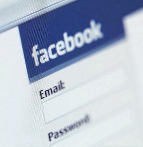 Sessiz sedasız Facebook'un ayarı ile oynadılar