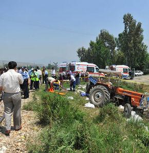 Tren ile traktör çarpıştı: 4 ölü 10 yaralı