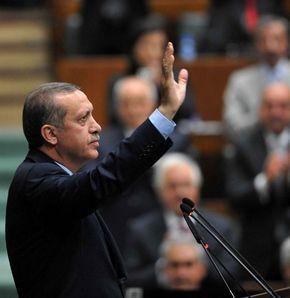 Tapınaktaki ayak izi ve Erdoğan'ın dili