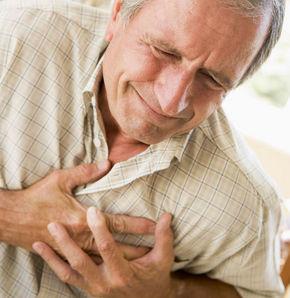 Kalp krizi iğne batırarak önlenmez