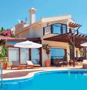 Oteller doldu, tatilciler villa tutuyor