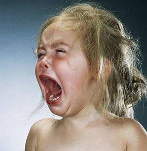 Bebeğinizin sürekli ağlamasının sebebi