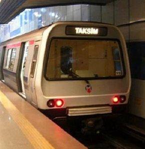 Metroda bir güzel yasak!