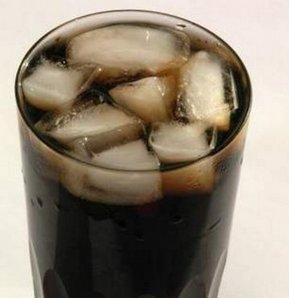 1 bardak kola bakın neler yapıyor?