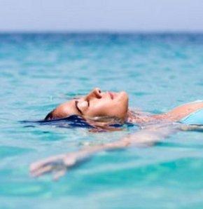 Yüzme doğumu kolaylaştırıyor