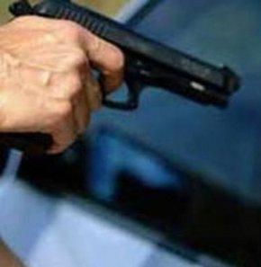 Polis kaza ile kadın meslektaşını vurdu