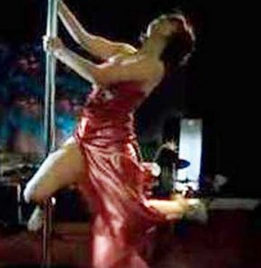 Demet'ten muhteşem striptiz GALERİ
