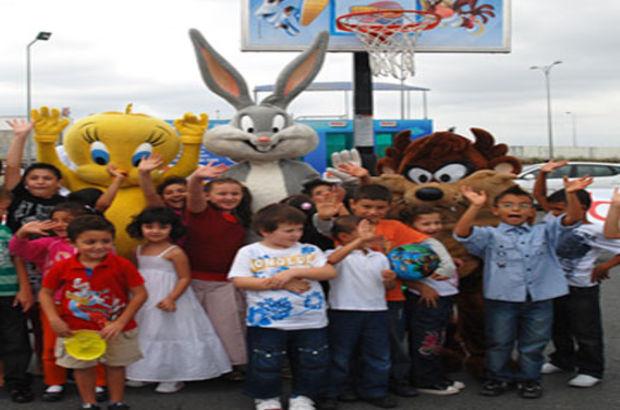 Tweety, Bugs Bunny ve Tazmanya Canavarı geliyor!