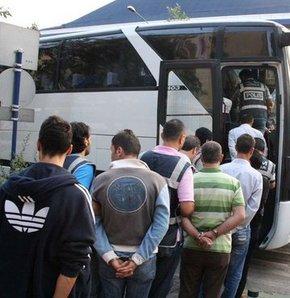 İnegöl'de gözaltına alınan 40 kişi adliyede