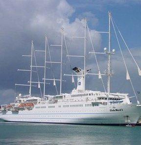 Didim'e yılın ilk kruvaziyer gemisi