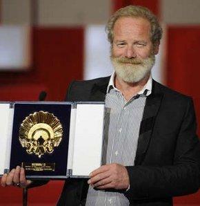 Altın İstiridye İngiliz yönetmene gitti