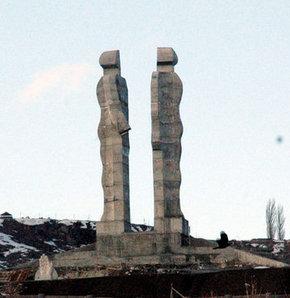 Başbakan 'ucube' dedi, anıt kalkıyor