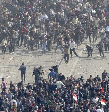 Mısır'da ''Mübarek'' çatışması - VİDEO