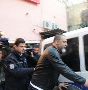 Bekir Coşar, ruhsatsız tabaycayla yakalandı