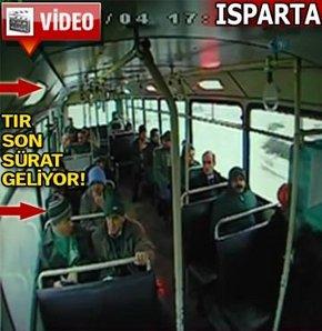 Dehşet anı otobüsün güvenlik kamerasında! VİDEO