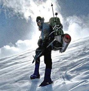 Demirkazık'a tırmanan dağcı kayıp!