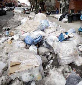 Kar eridi, çöpler ve 2 ceset ortaya çıktı