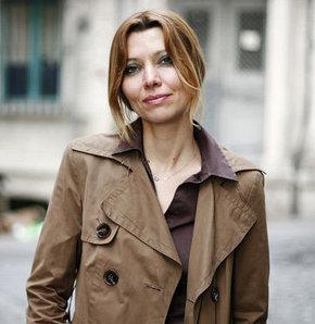 Elif Şafak Guardian'da yazıyor