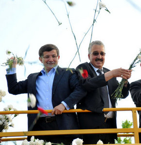 633791 detay - CHP'li Başkan Davutoğlu'nun seçim otobüsünde