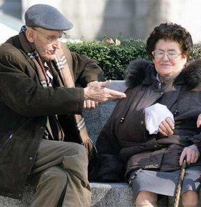 Ev kadını eşinizi 65 yaşından önce emekli etmeniz zor!