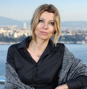 Kültür elçisi Elif Şafak