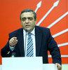 """""""Kürtçe şarkı söyleyen sanatçıya protesto ayrımcılıktır"""""""