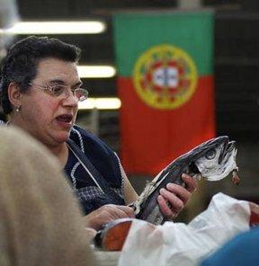 Kabak Portekizli'nin başına patladı