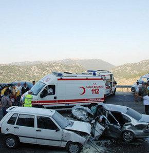 Zİncirleme trafik kazası: 22 yaralı!