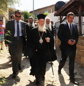 Yunan Dışişleri Bakanı Gökçeada'da!