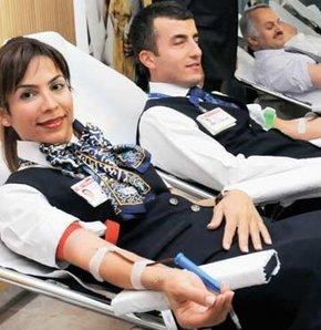 Kan vermek orucu bozar mı?