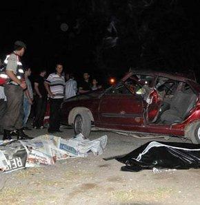 Panelvan otomobille çarpıştı: 2 ölü!