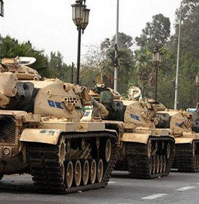 Tanklar 32 yıl sonra Kuzey Sina'da