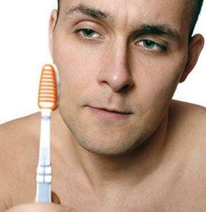 Çamaşır suyuyla diş fırçalanır mı?