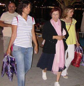 Türkan Hanım tatilde