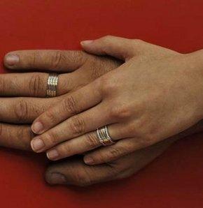 Çocuk yaşta evlilik akli dengeyi bozuyor