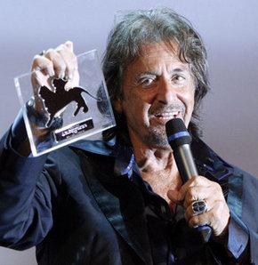 Al Pacino'ya onur ödülü