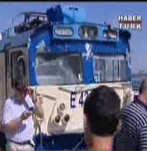İstanbul'da iki tren çarpıştı!