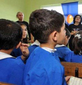 Okula başlayan çocuğa nasıl davranmalı?