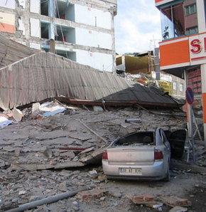 Depremde can kaybı var