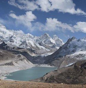 Himalayalardaki Çin buzulları eriyor