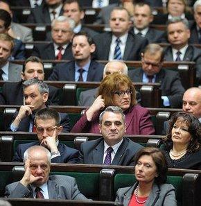 Polonya meclisi eşcinsellerle tanıştı! GALERİ