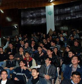 Yumurta bu sefer öğrencilere gitti - yumurta, yumurtalı protesto, Çukurova Üniversitesi Rektörü