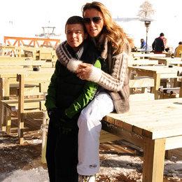 Anne oğul kayak keyfi