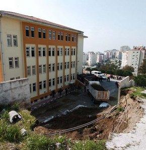 Lisenin duvarı çöktü!
