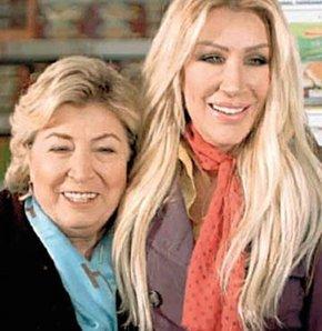 Seda Sayan annesiyle reklâm filminde
